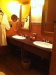 Roycroft Inn - bathroom double vanities
