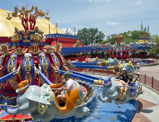 Walt Disney World Fantasyland - Flying Dumbos