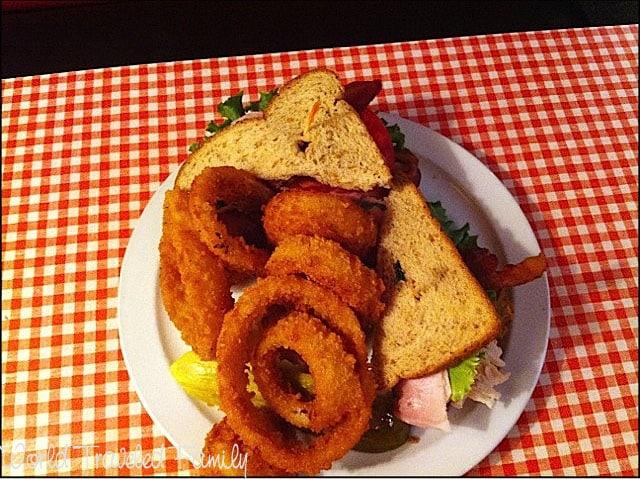 Lynns Paradise Cafe - Highlander Sandwich