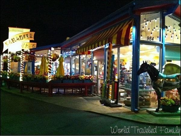 Lynns Paradise Cafe - exterior