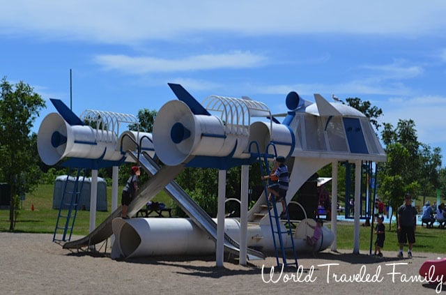 Safari Niagara - space ship play gym