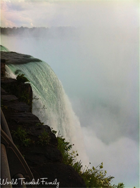 Horseshoe Falls from the U.S National Park