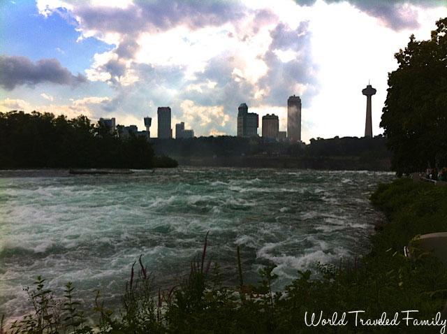 Niagara River leading up to the horseshoe falls