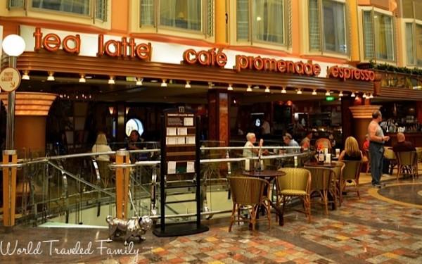 Freedom of the Seas - promenade cafe