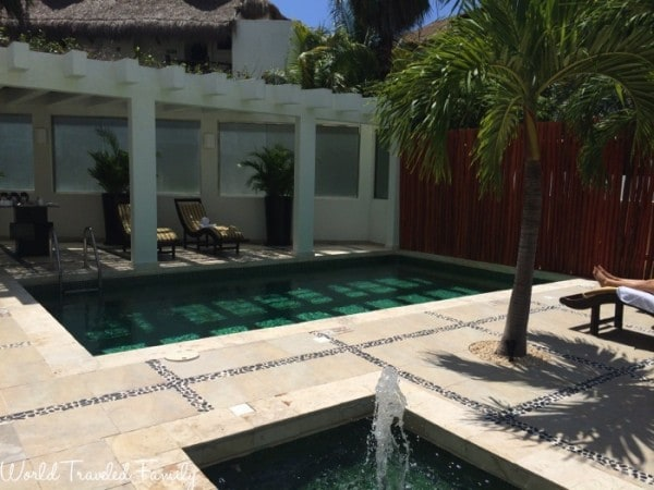Naay Spa at Eldorado - outdoor lounge and pool area