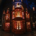 Wizarding World of Harry Potter - Diagon Alley -Weasleys' Wizard Wheezes