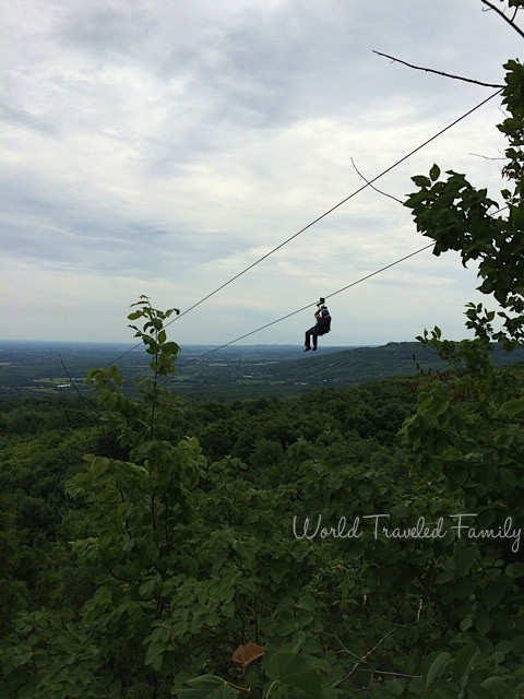 Twin zip - Collingwood scenic caves tour