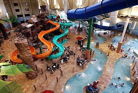 8 Cool Indoor Waterpark Hotels!