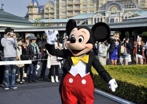 Tokyo Disneyland Reopens Five Weeks After Quake