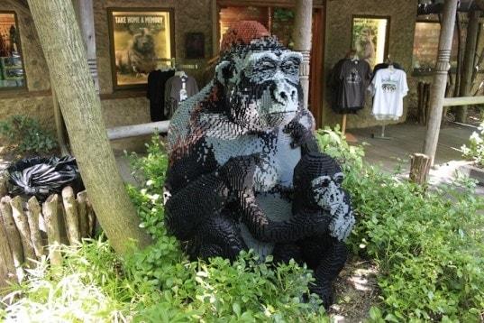 Bronx Zoo Celebrates Summer with a LEGO 'Zoofari'