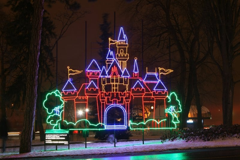 The caa winter festival of lights is on in niagara falls ontario come and discover the caa winter festival of lights for yourself it may become a family tradition jen r staff writer solutioingenieria Images