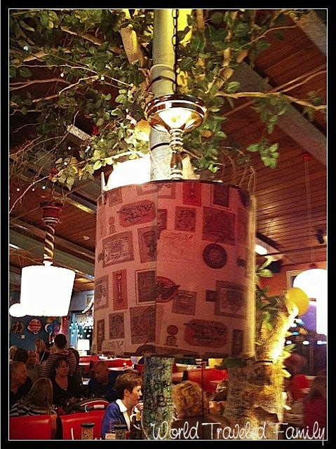 Lynns Paradise Cafe -  ugly lamp