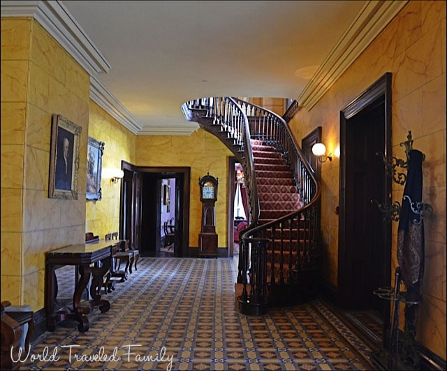 Dundurn Castle - entrance hall