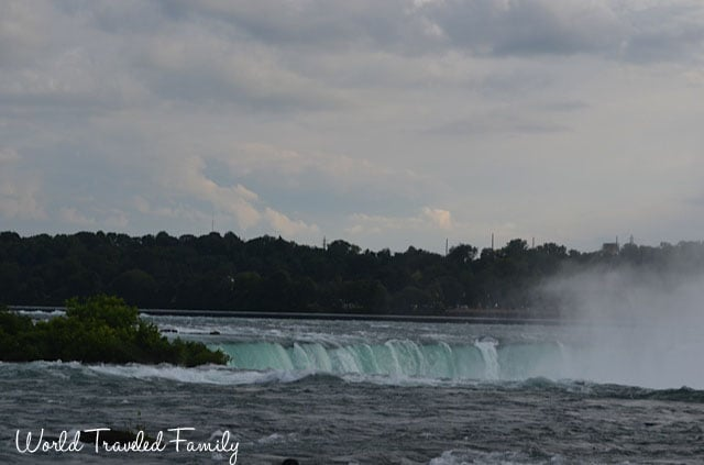 View of Horseshoes falls from Niagara Falls State Park