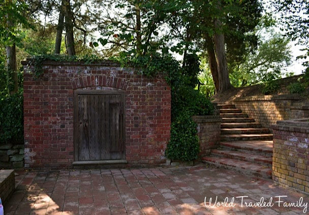 George Washington's Mount Vernon - old tomb