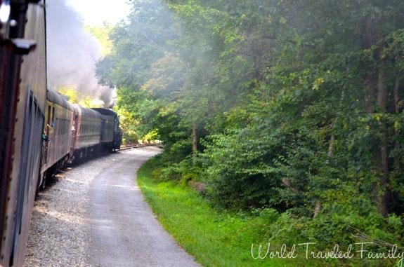 Western Maryland Scenic Railroad - train rounding the corner