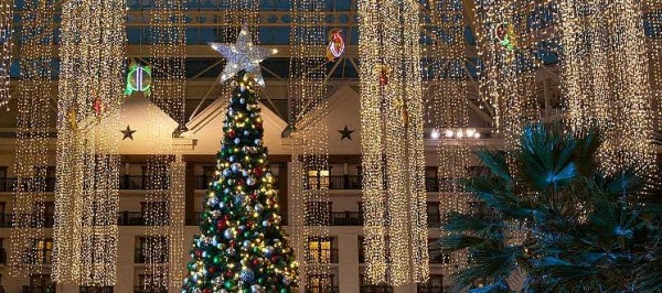 Gaylord Texan Resort & Convention Center at Christmas