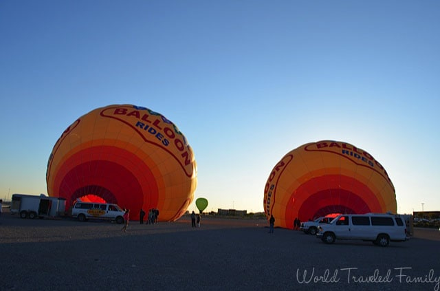 Vegas Balloon Ride - setting up