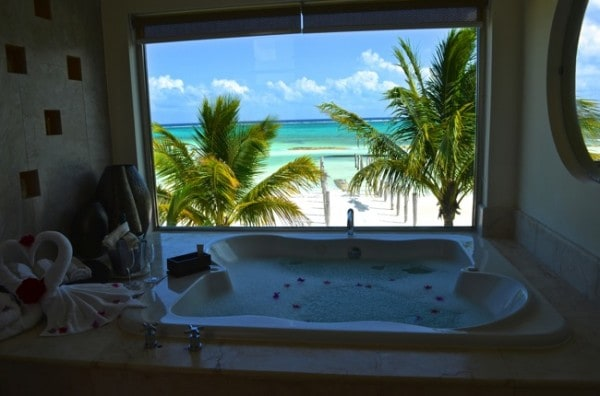 El Dorado Maroma Beachfront Villas - master bedroom jacuzzi