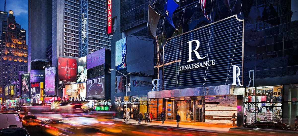 Renaissance times square exterior world traveled family for Best boutique hotels nyc 2015