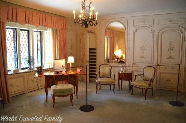 Edsel & Eleanor Ford House - Eleanor's closet