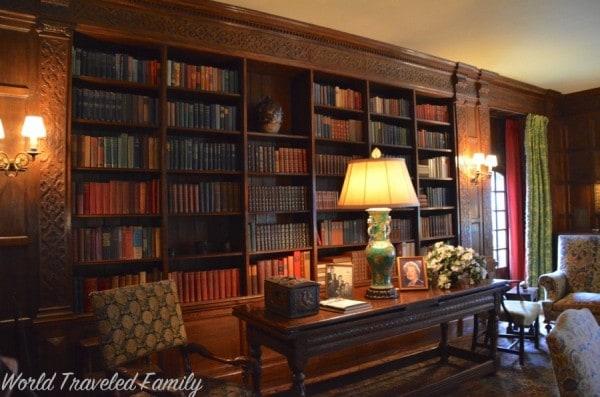 Edsel & Eleanor Ford House - study