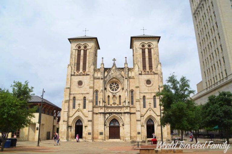 Visiting The San Fernando Cathedral in San Antonio
