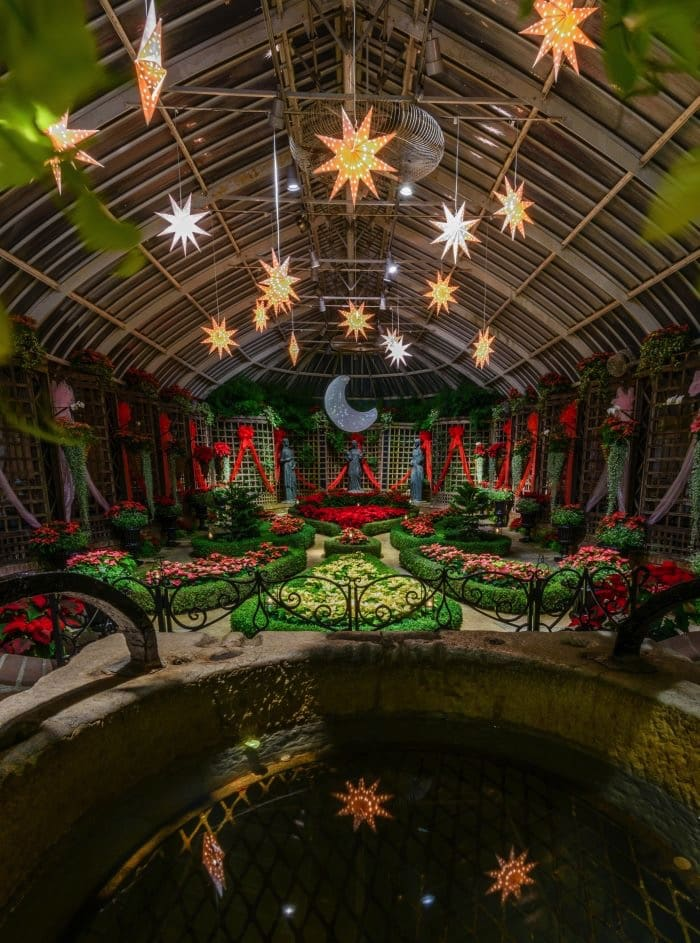 8 Must-See Holiday Attractions in Pennsylvania