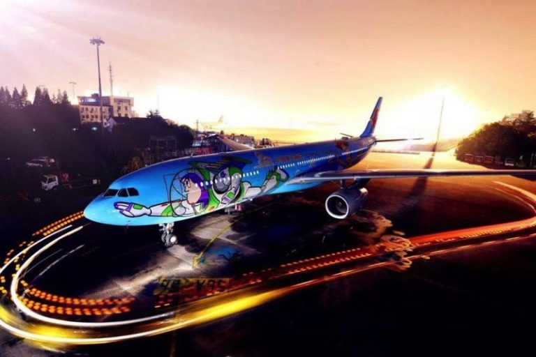 Disney Toy Story Aircraft Debuts in Shanghai!