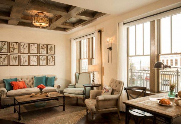Ree Drummond Pioneer woman Boarding house hotel - butterfly suite sitting room