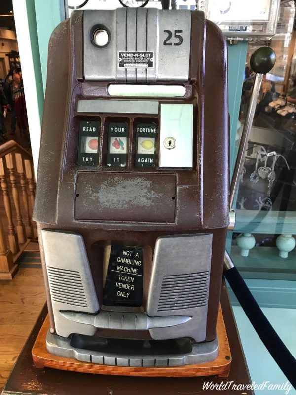 Winchester Mystery House - slot machine